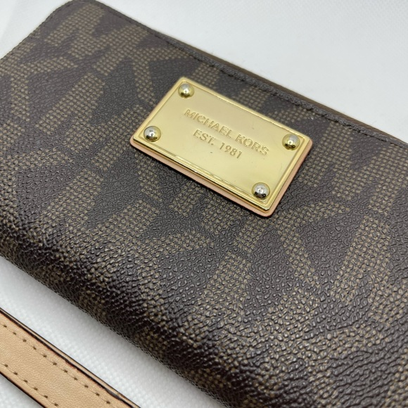 Michael Kors Wallet Wrislet
